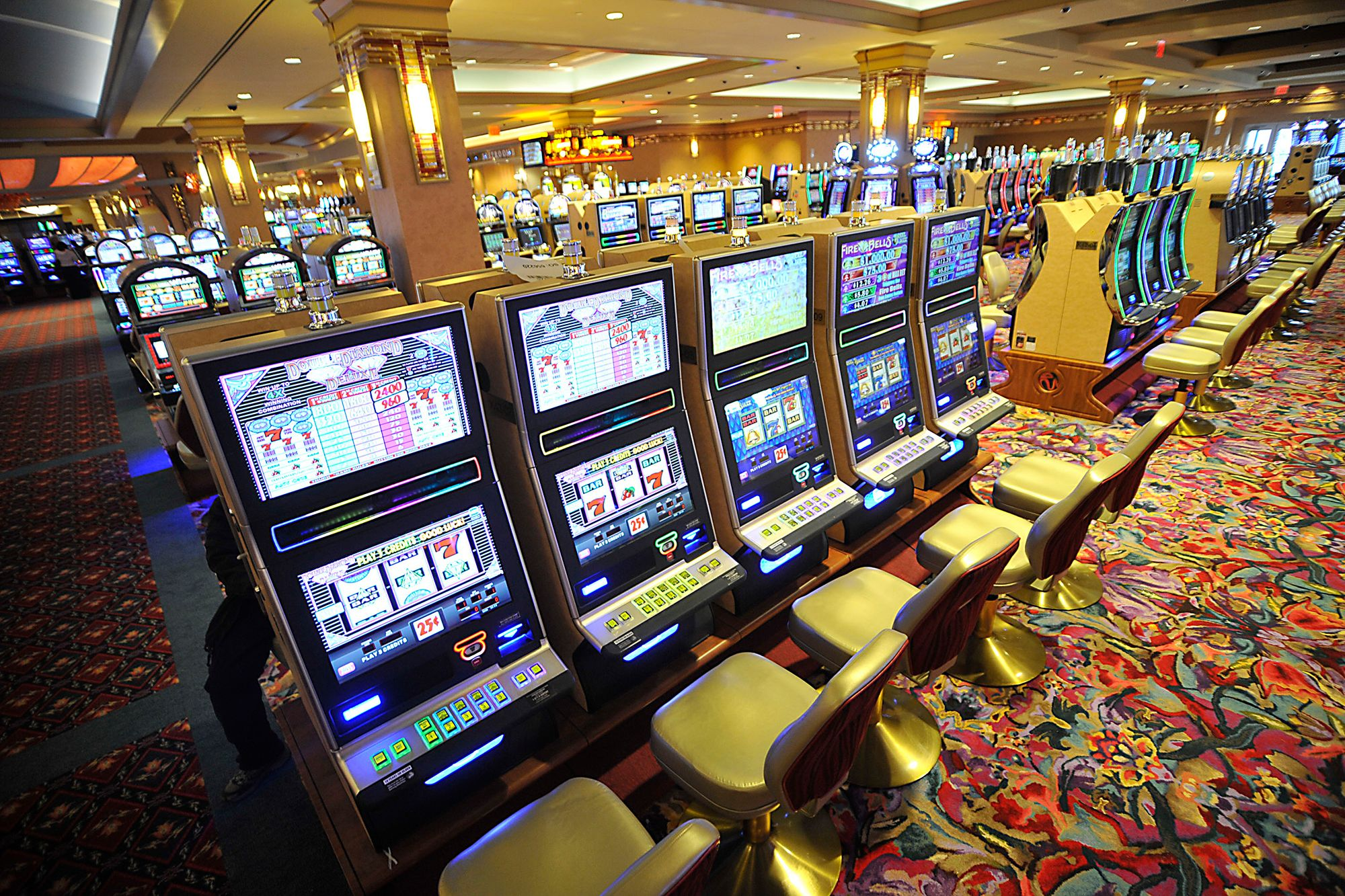 Online Slots For Beginners: The Guide To Improve Your Odds At Winning
