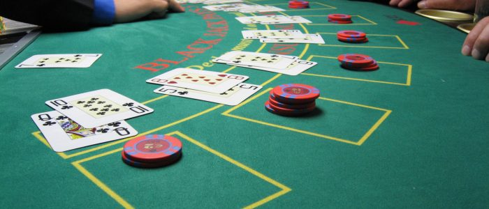 OMAHA-5 POKER: PLAYING TIPS FOR BEGINNERS