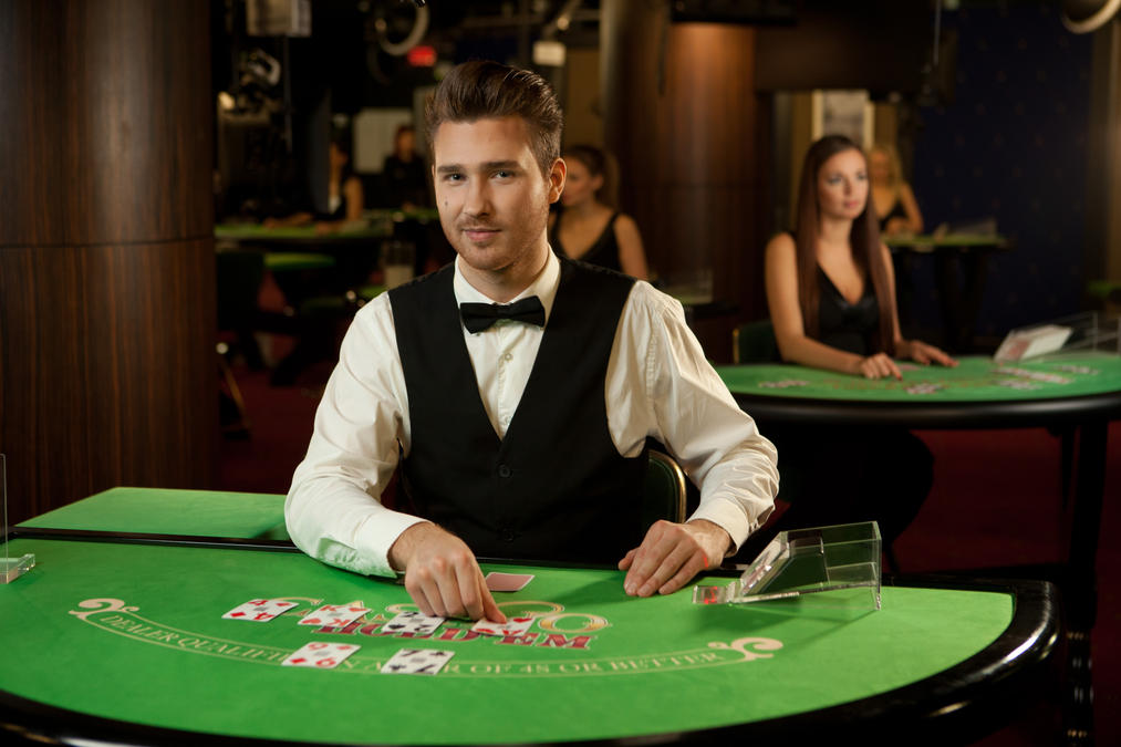 Important points to consider while choosing a gambling site for yourself